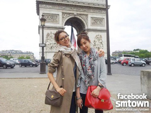 SNSD in Paris